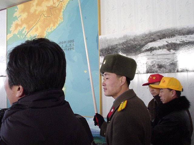 北朝鮮観光 兵士