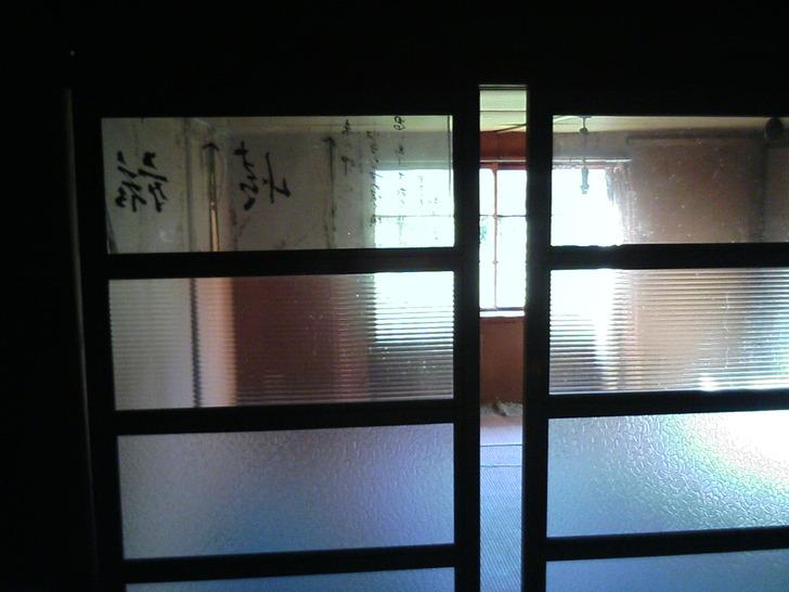 暖簾ガラス戸