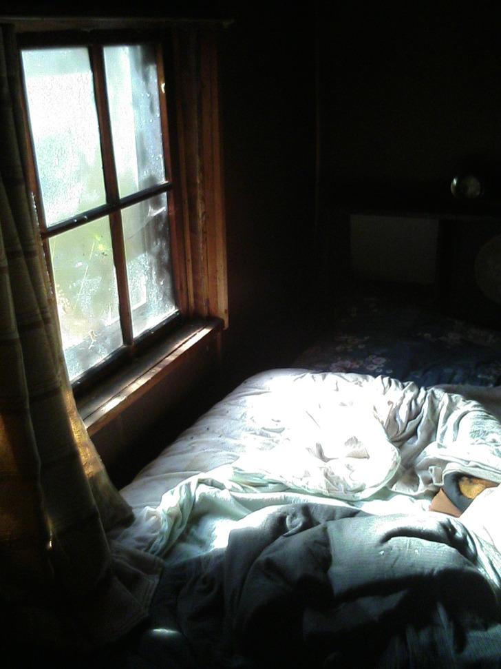ベッド朝日