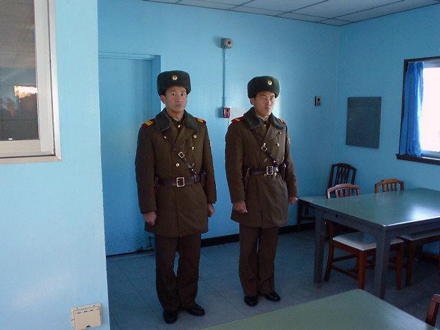 板門店 北朝鮮兵士2