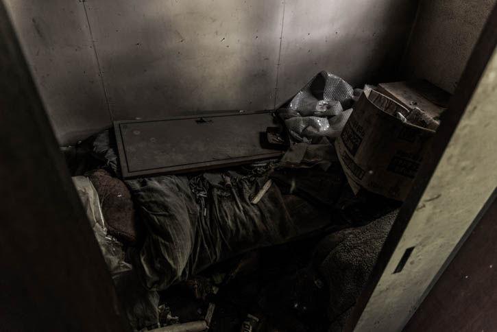 廃墟ラーメン屋-59