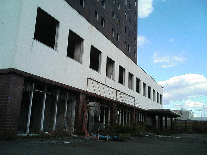 ホテルニュージャパン 外壁