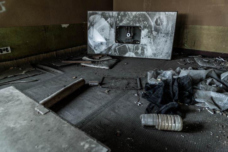 廃墟ラーメン屋-96