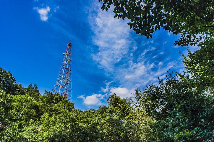 府中基地森と鉄塔