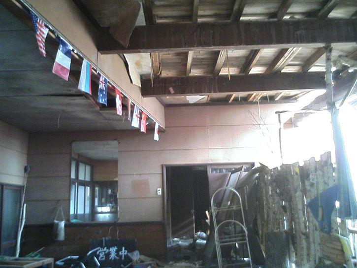 チニカ山荘 万国旗