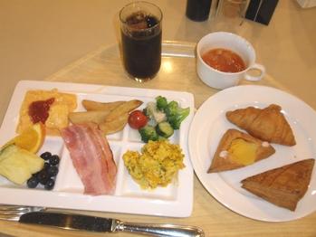 エピナール朝食洋
