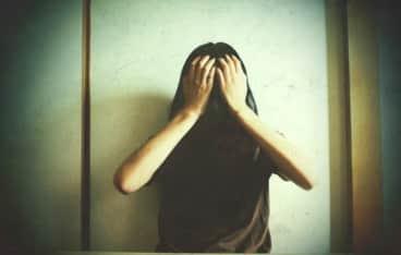 「もう疲れた・・・」障害児(17)を殺し自殺未遂した母親。責任能力問えると殺人罪で起訴