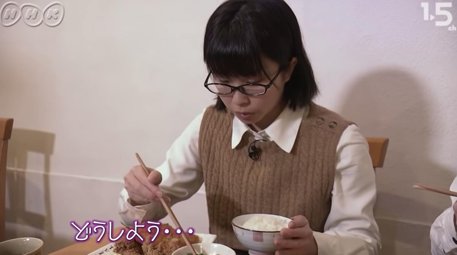 """【動画】自閉症JKの""""食べ方のこだわり""""がすごい"""