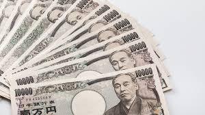 【悲報】高校生が涙の訴え 「月5000円のお小遣いで足りると思いますか……?」