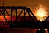 花火と淀川橋りょう