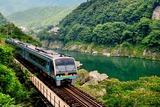 吉野川と2000系