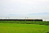 琵琶湖岸を行く「トワイライト」