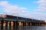 上淀川橋りょうを渡る「日本海」