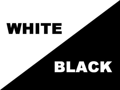 ブラックORホワイト