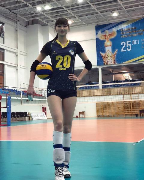 【美少女】このバレーボール選手の体型がヤバいwww