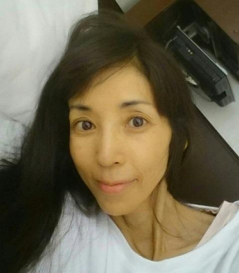 川島なお美 病院 ベット 横たわる