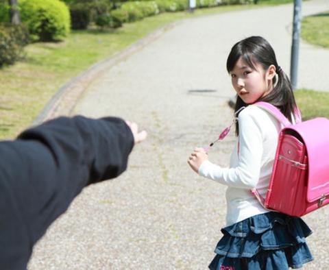 【画像】今時の女子小学生(12)の体がヤバ過ぎる (画像あり)