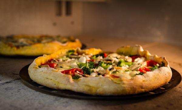 pizza-6478478_1920