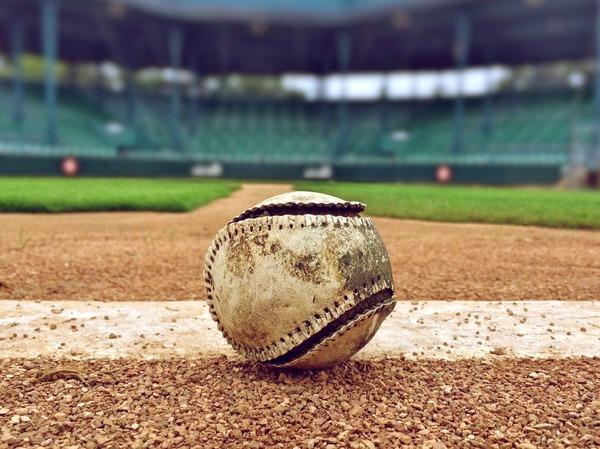 baseball-1091211_1920