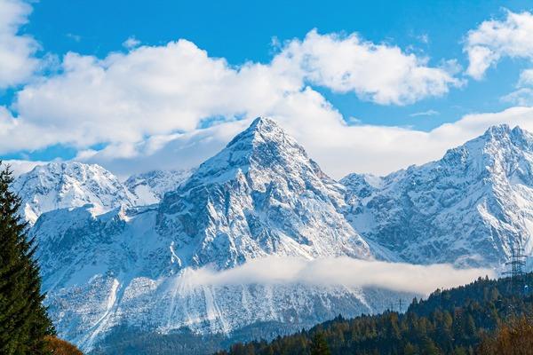 mountains-6540497_1920