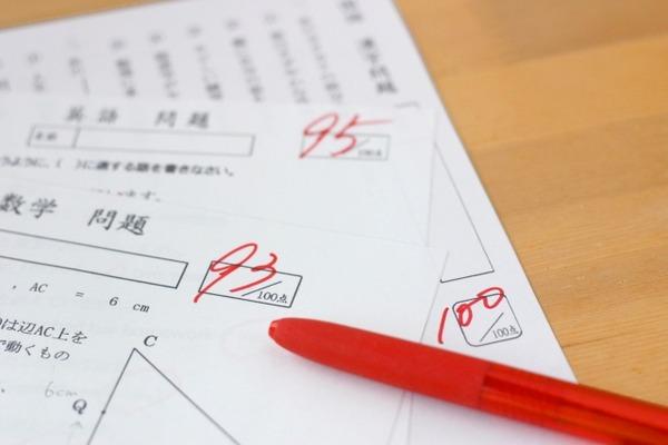 定期テストで成績が上がる中学生の親はどういうタイプか?
