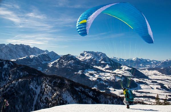 paragliding-4727377_1920