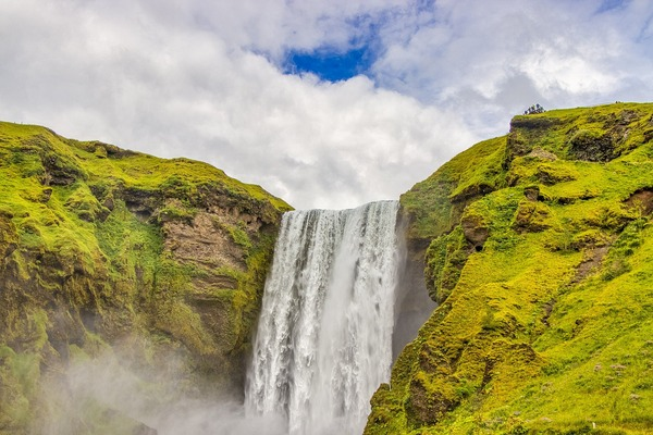 waterfall-4774207_1920