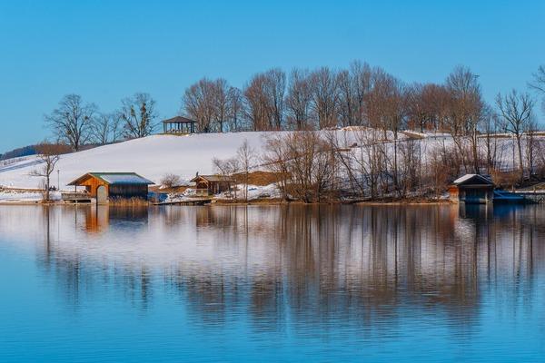 lake-4017444_1920