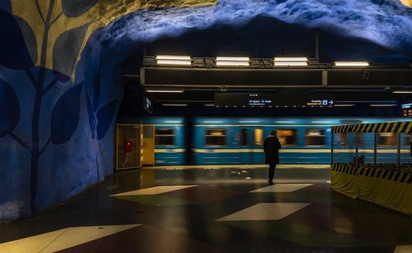 metro-4501839_1920