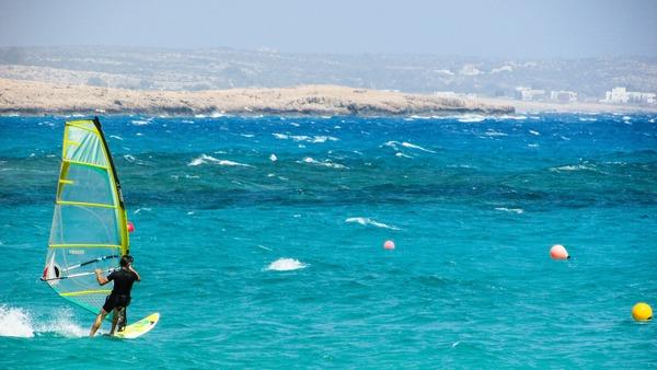 windsurfing-1401781_1920 (1)