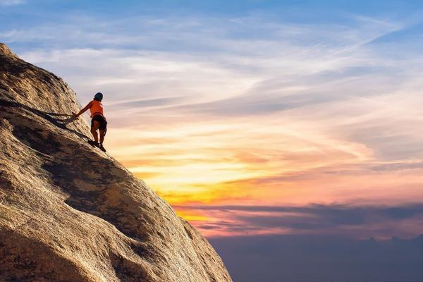 mountain-climber-2427191_1920