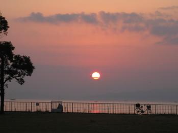 09年11月7日 島原港の朝日 am6:50