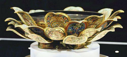 漆金薄絵盤(うるしきんぱくえのばん)