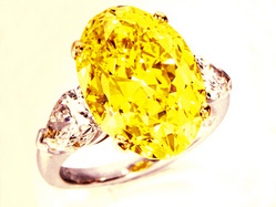 2453 9.03ct Fancy Vivid Yellow VVS1