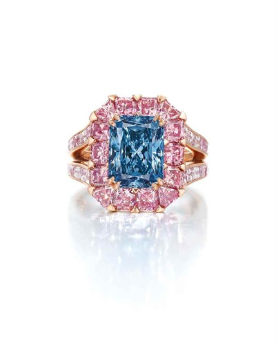 coloured_diamond_ring_by_moussaieff