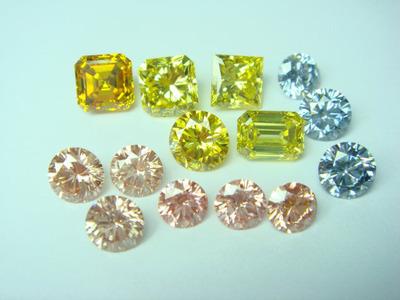 合成ファンシーカラーダイヤモンド