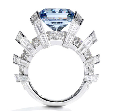 8.01ct Fancy Vivid Blue VVS1 side view