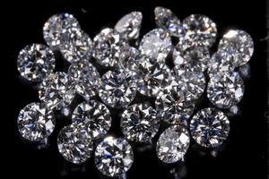 Same size diamonds