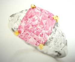 00ct Fancy Vivid Pink Ptentially Flawless