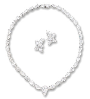 Lot.2852 45.39ct Necklace 12.64ct Ear Clips