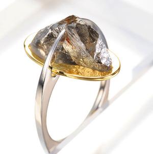 ラフダイヤモンドオブジェリング