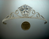 Hong Kong Christies 101.27ct F VVS1 Tiara Actual size