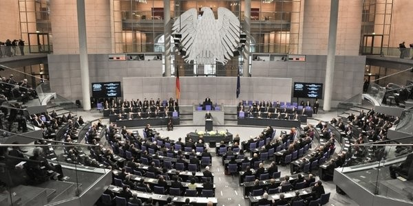 Bundestag_Plenarsaal_03_Bundestag_720x360