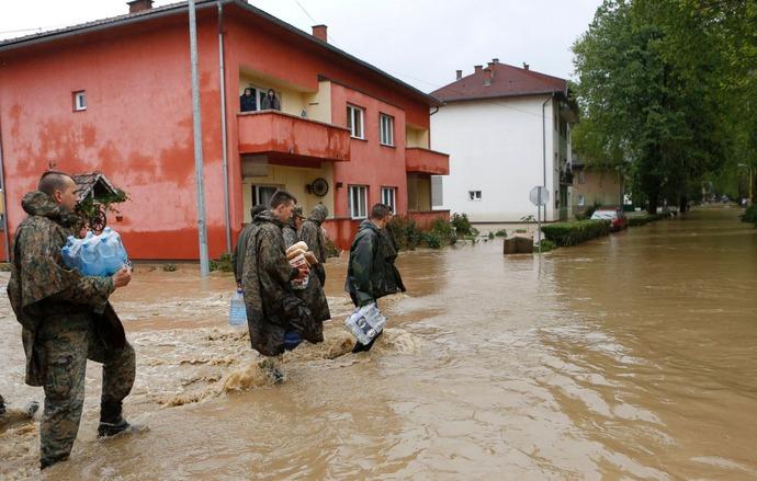 AP_balkans_flood_5_sk_140516_11x7_1600