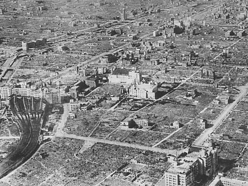 Osaka_after_the_1945_air_raid