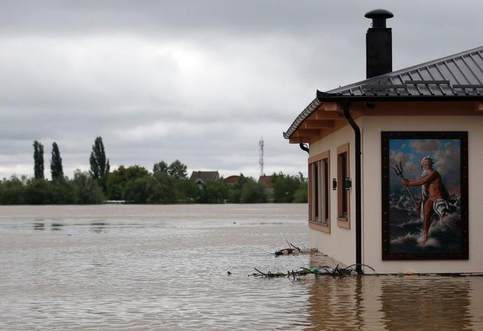 AP_balkans_flood_poseidon_jt_140517_19x13_1600
