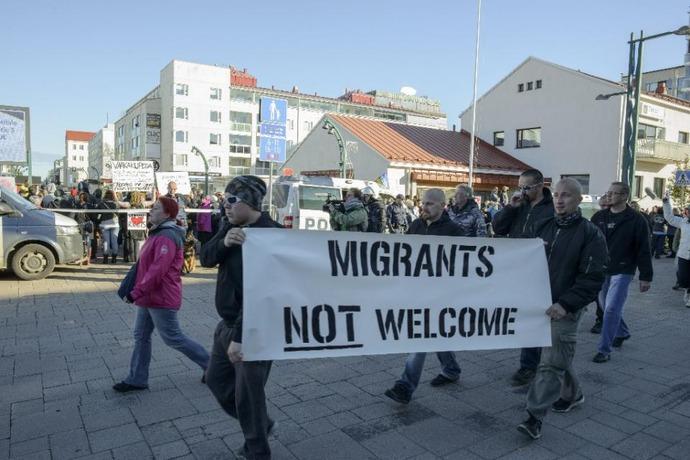finns-protest-moslems