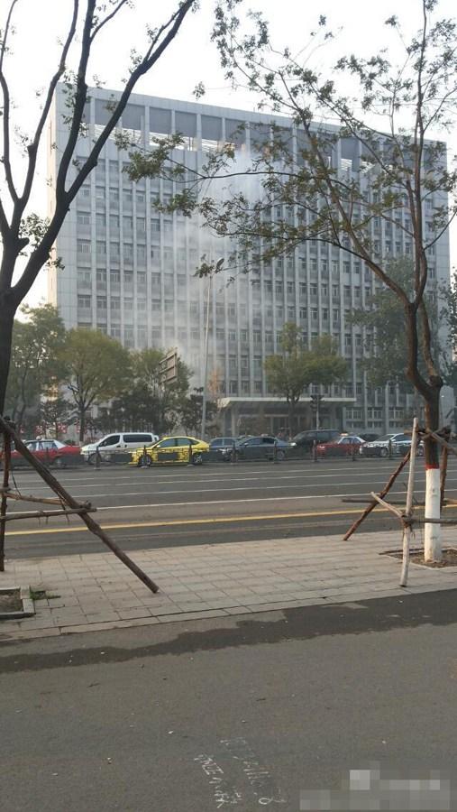 【速報】複数回の爆発!テロの可能性、中国・山西省共産党委前