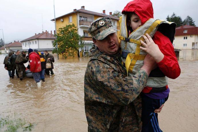 AP_balkans_flood_3_sk_140516_3x2_1600