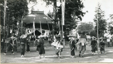 09-17 月夜野支所 小高諏訪神社の獅子舞か 月夜野 49年